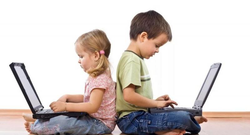 Мы не боимся давать детям в руки ножницы. Они просто не знают, что с ними делать