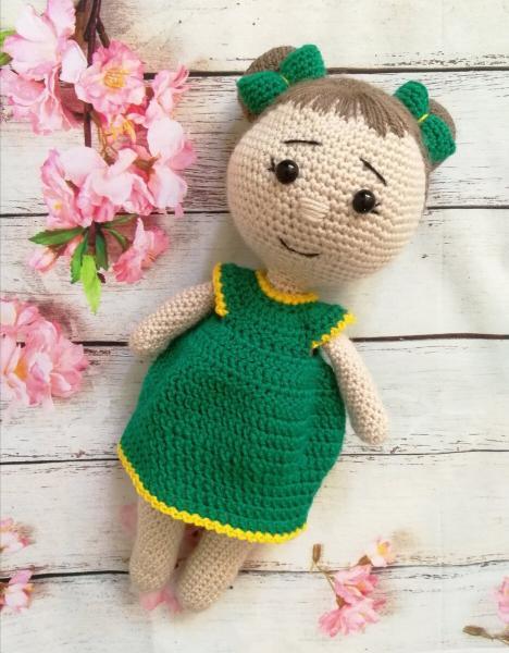 Немаленькая, но красивая: куколка крючком. Описание вязания. Часть 1 - тело и ручки