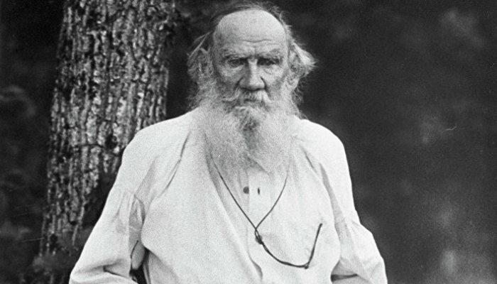 Дракон смерти и запах мокрой соломы: Лев Толстой в поисках смысла жизни