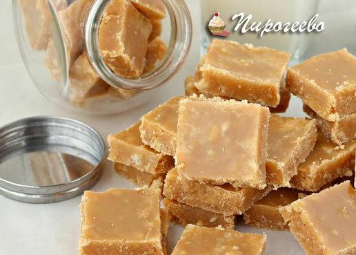 В детстве варили сметану с сахаром и добавляли орешки. Теперь такими конфетами я балую своих деток💗