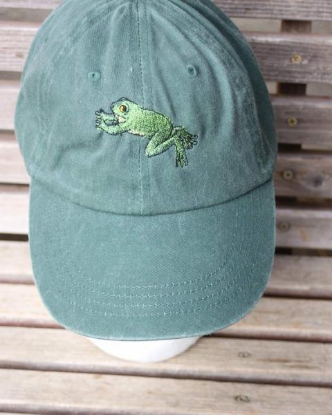 10 идей летней вышивки на кепках
