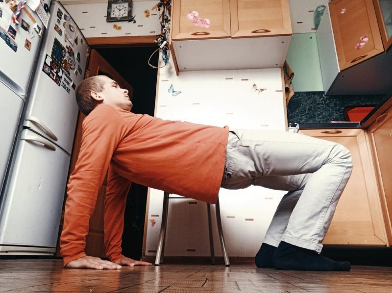 «Ходьба на четвереньках» – гимнастическое упражнение для укрепления и лечения мышц позвоночника и шейного отдела