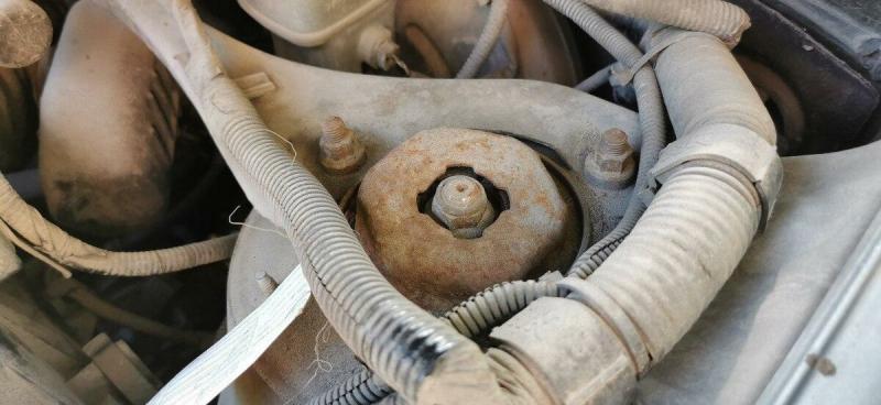 Как защитить от ржавчины локальные повреждения на автомобиле за 5 минут. Показываю на своём авто