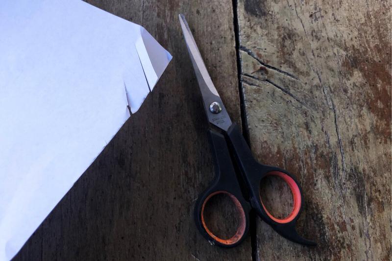 Показываю, как правильно затачивать ножницы. Режут как новые