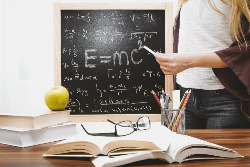 За что могут уволить учителя?