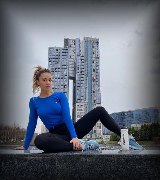 """Екатерина Лаптева. Чемпионка фитнес-бикини. """"Мы едим, чтобы жить, а не наоборот""""."""