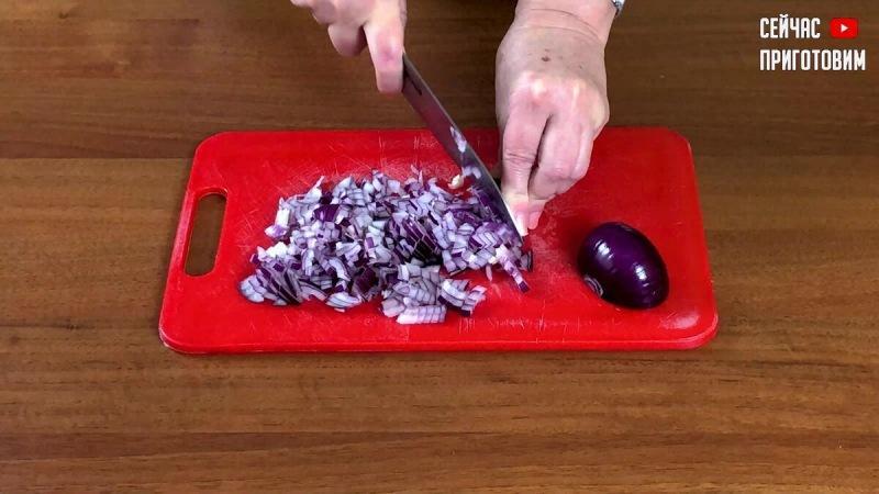 Ему просто нет равных! Вкуснейший салат на Новый год: он обязательно должен быть на новогоднем столе