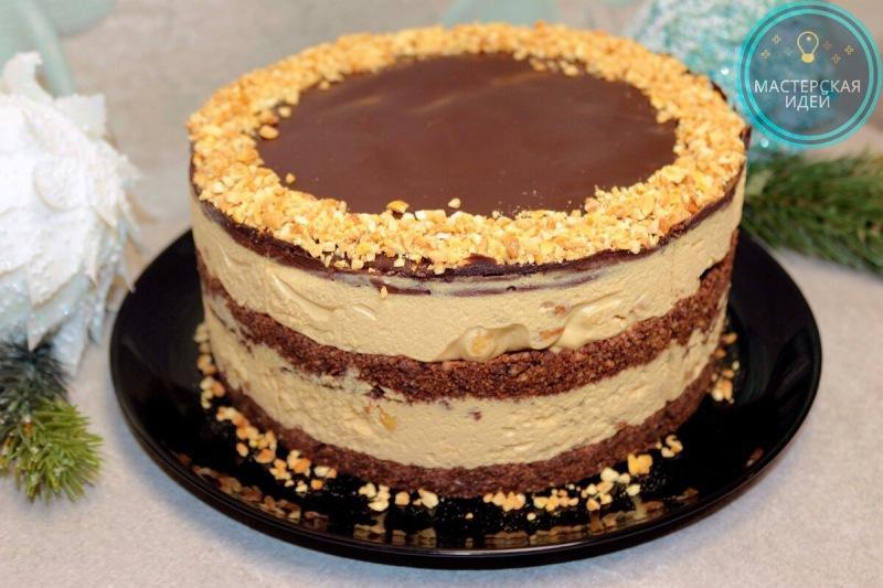 Готовлю торт Сникерс без выпечки, за час и из самых доступных продуктов: всё очень просто и быстро, но дети его обожают (делюсь)