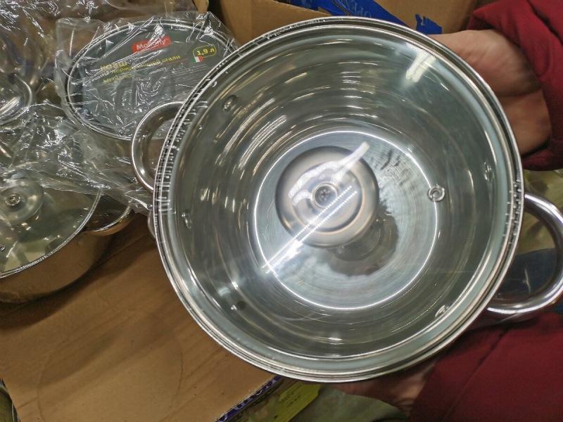Хоть на стол, хоть в подарок: В Светофор завезли много посуды к праздникам. Запечатлел новинки, которые заинтересовали