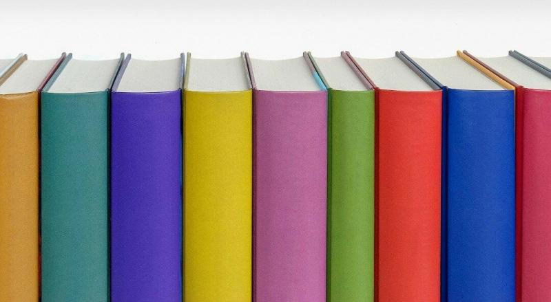 """""""Красный, жёлтый, голубой..."""". Литературный ТЕСТ о книгах, в названии которых есть цвета"""
