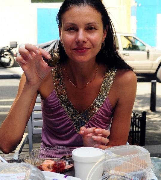 Удивительная женщина провела 10 лет на ЗОЖ и рассказала свой ежедневный рацион молодости и здоровья: 8 простых и вкусных блюда.