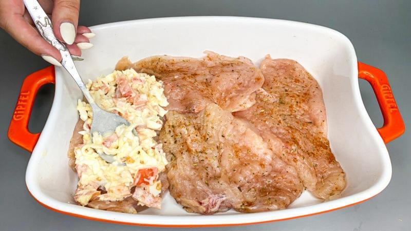 Если хотите удивить гостей на 8 марта приготовьте куриное филе по этому рецепту