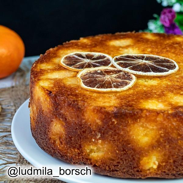 И торта не надо. Нереально вкусный пирог. Все перемешали и в духовку.