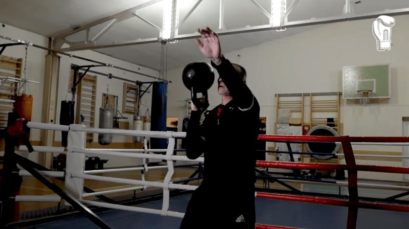 Как сделать удар сильнее и быстрее? 5 упражнений с гирей для боксеров от Сергея Рааба
