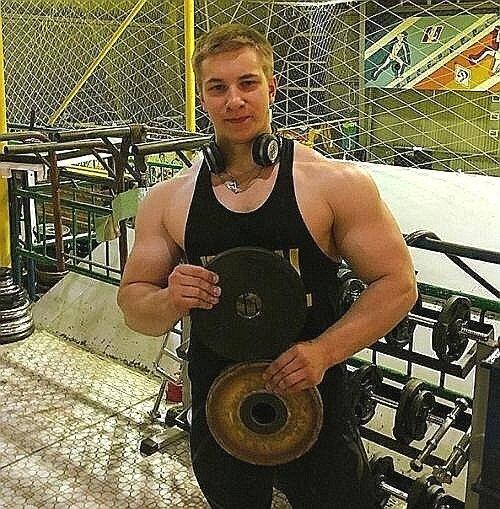 Нереальная трансформация гиганта мышечной массы Виталия Угольникова. А нужны ли такие испытания над своим организмом
