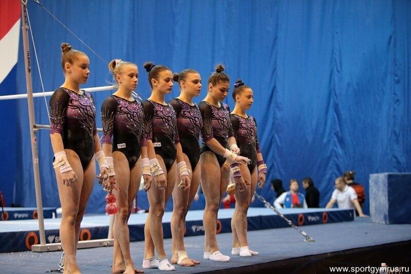 Популярные причёски в гимнастике. Люди представляли себе их иначе
