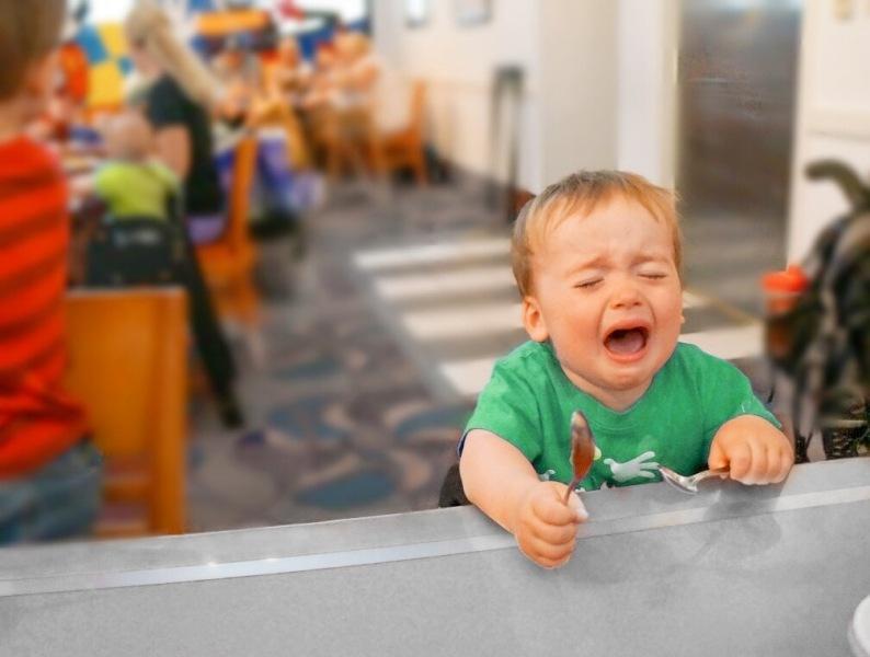 Психологический трюк, который на корню поменял отношение к детской истерике. Когда понял, то стало стыдно. Делюсь хитростью