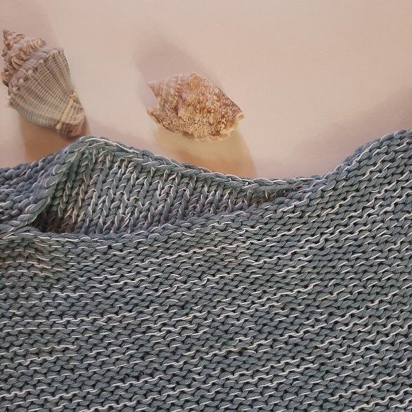 Летняя майка, связанная вопреки всем правилам вязания, но такая заманчивая - идеально для новичков и пышек