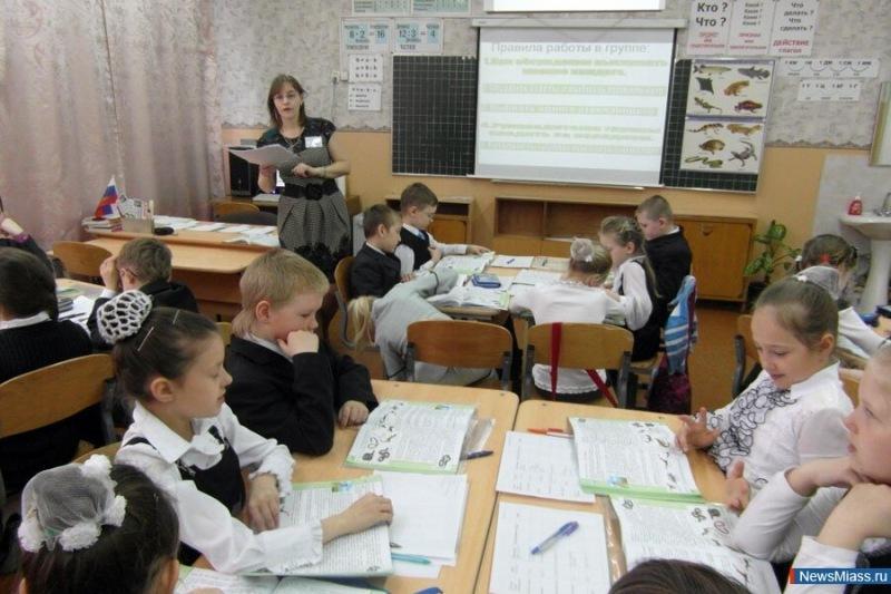 """Почему учителя должны """"развлекать"""" детей на уроках?"""