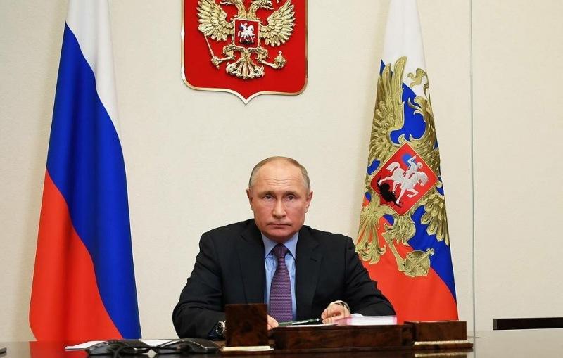 Путин ознаменовал реформу зарплат учителей в стране