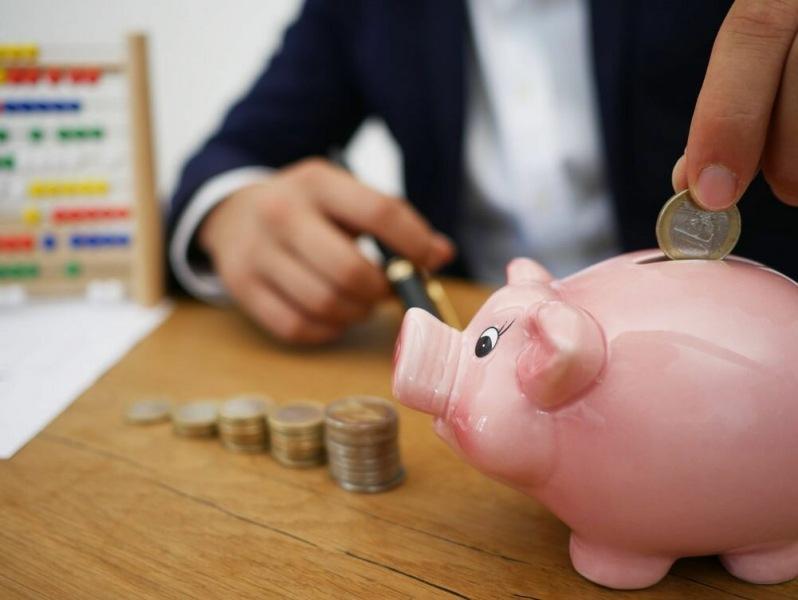Получается, что с высокой долговой нагрузкой населения можно справиться с помощью уроков финансовой грамотности