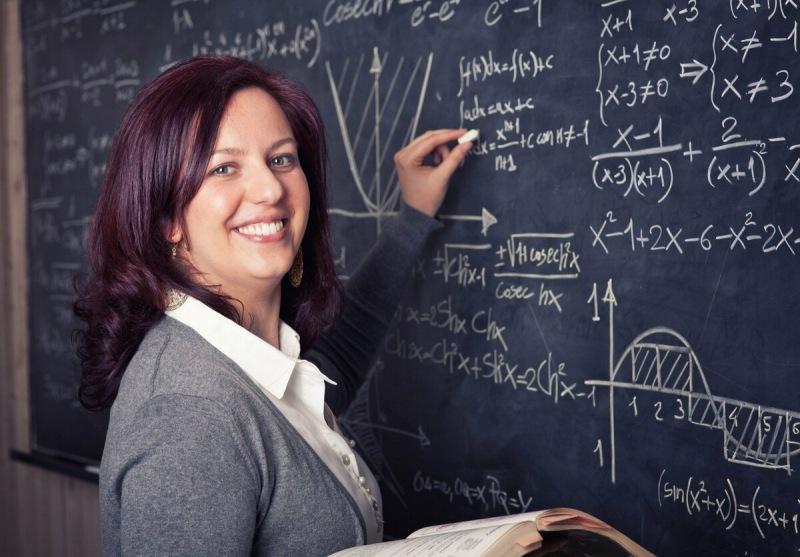 Зачем работать учителем, когда в системе образования все так плохо?
